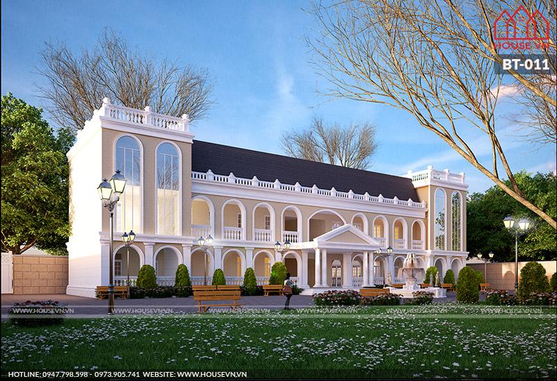 Mẫu biệt thự theo phong cách Hoàng Gia nổi bật với sự kết hợp màu sắc hài hòa.
