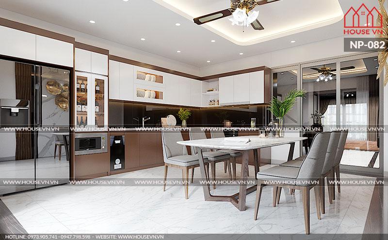 Ý tưởng thiết kế nội thất tủ bếp chữ L phong cách hiện đại cùng bàn ghế ăn phù hợp với phòng bếp của Housevn được chủ đầu tư khá hài lòng