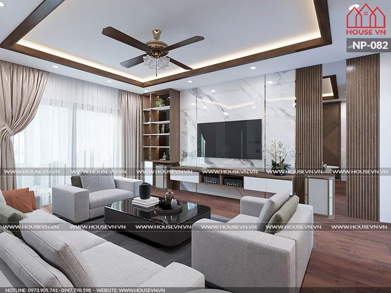 Cách sắp xếp và bày trí nội thất phòng khách cũng rất ấn tượng, khiến không gian như được nới rộng thêm vô cùng thoáng đãng dễ chịu