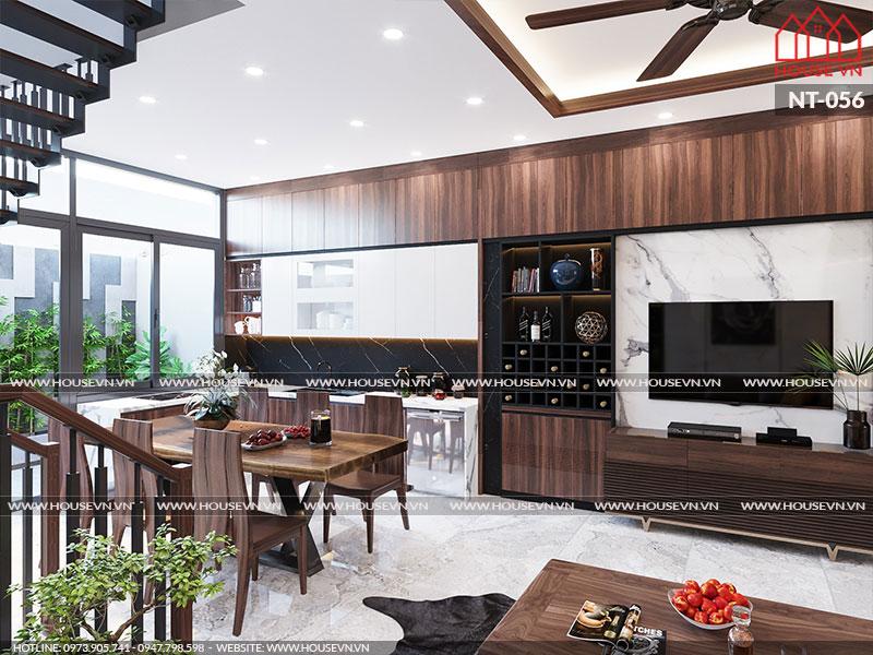 Nối liền với không gian phòng khách là sảnh thang và khu vực phòng bếp ăn.